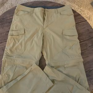Cargo pants with zipper convertible to shorts